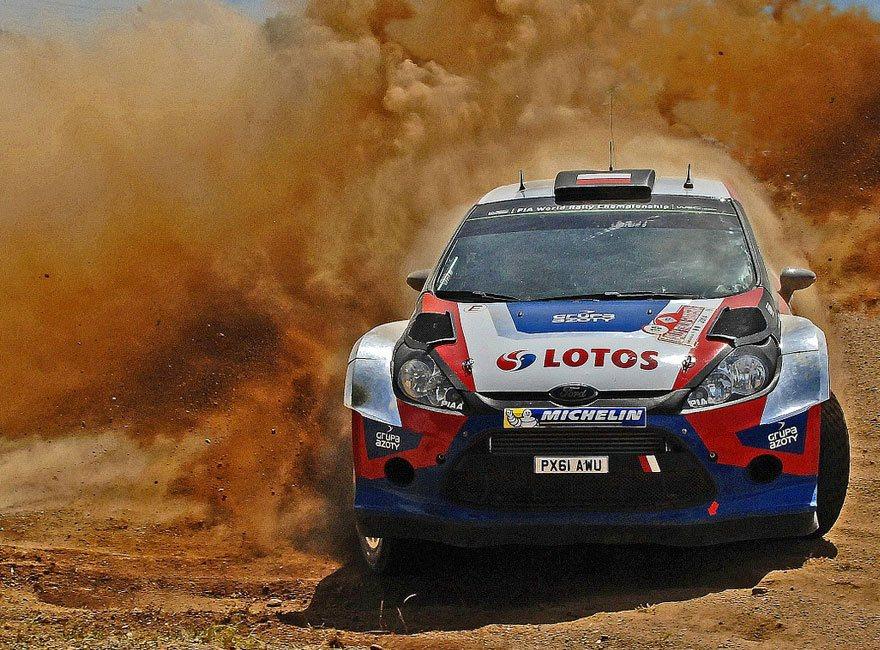 rally-coche-desierto